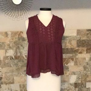 Knox Rose lace, sleeveless, vneck maroon color top